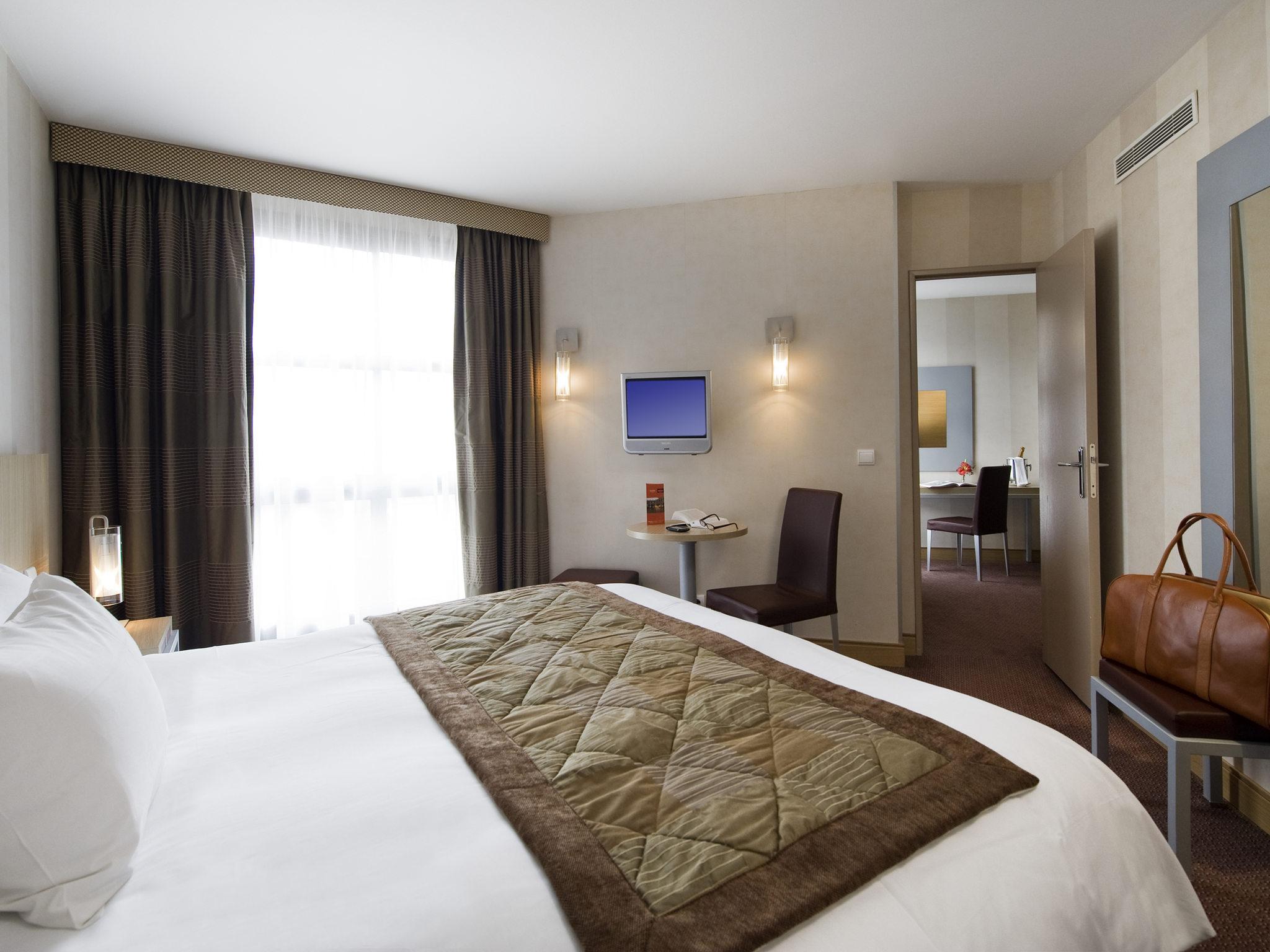 فندق - مركيور Mercure باريس جوبلينز بلاس ديتالى
