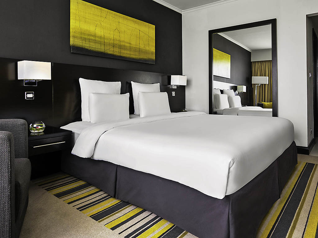 5 Star Hotel In Dubai Pullman Creek City Centre Picture Frame Geek Home Decor Yellow Circuit Board Photo Executive Room King Size Bed