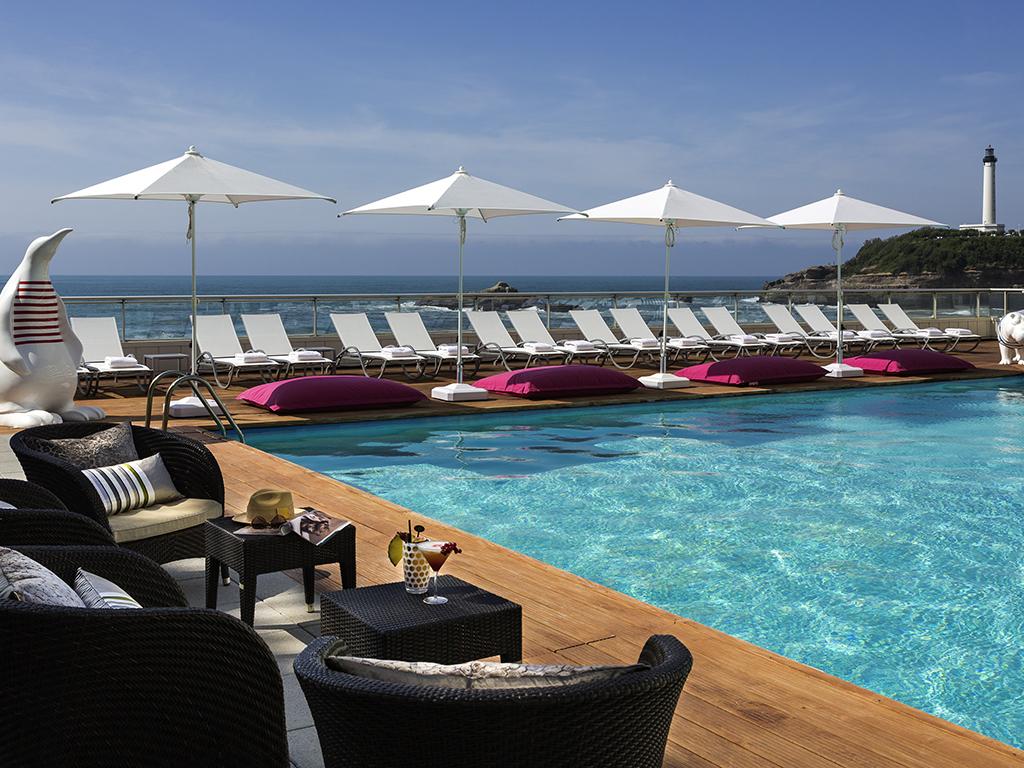 Hotel de luxe biarritz sofitel biarritz le miramar for Piscine biarritz
