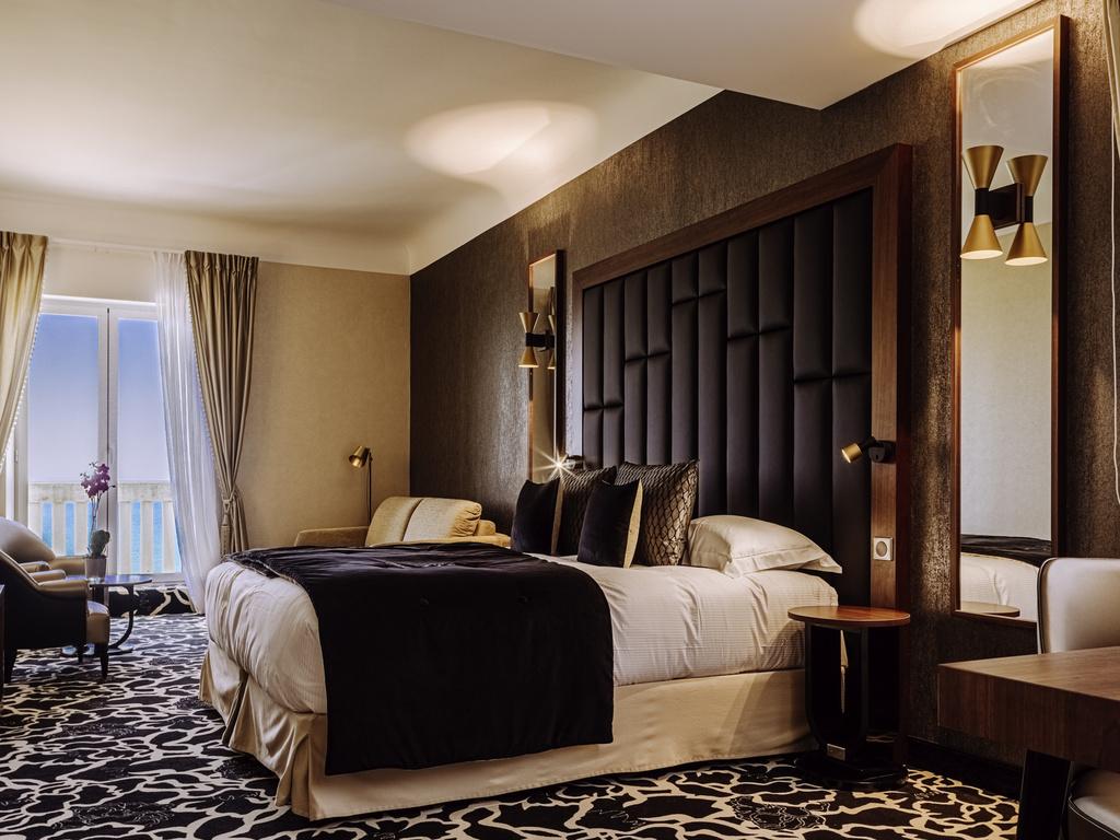 Hotel de luxe biarritz le r gina biarritz h tel spa for Chambre de commerce biarritz