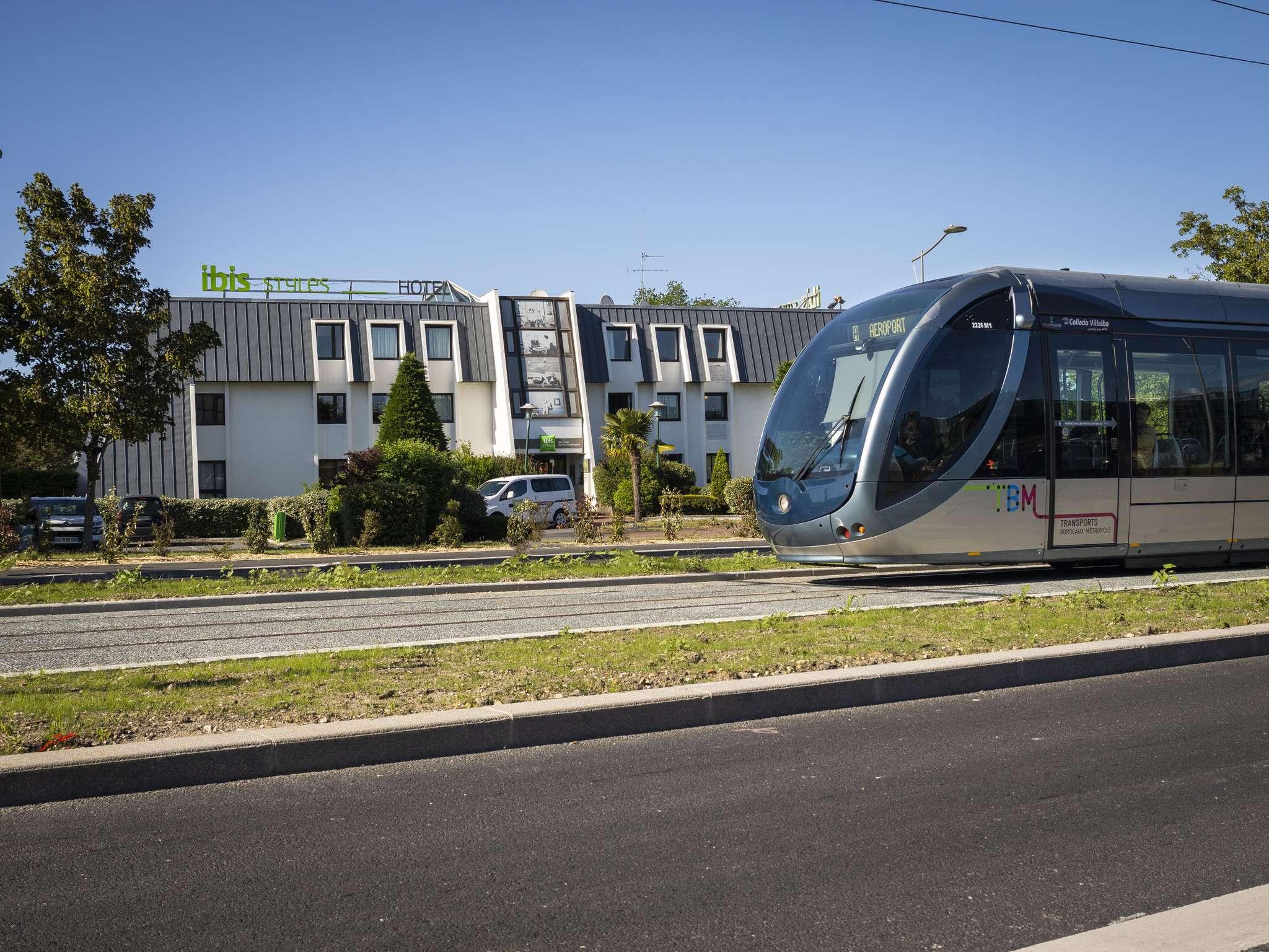 Отель — ibis Styles Бордо Аэропорт
