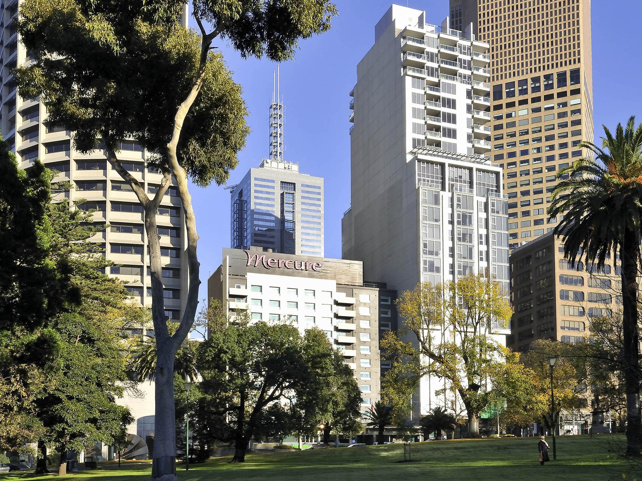 فندق - Mercure Melbourne Treasury Gardens