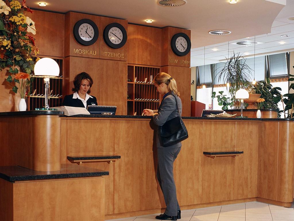 Ibis budget marseille vieux port r servation gratuite - Hotel ibis budget marseille vieux port ...