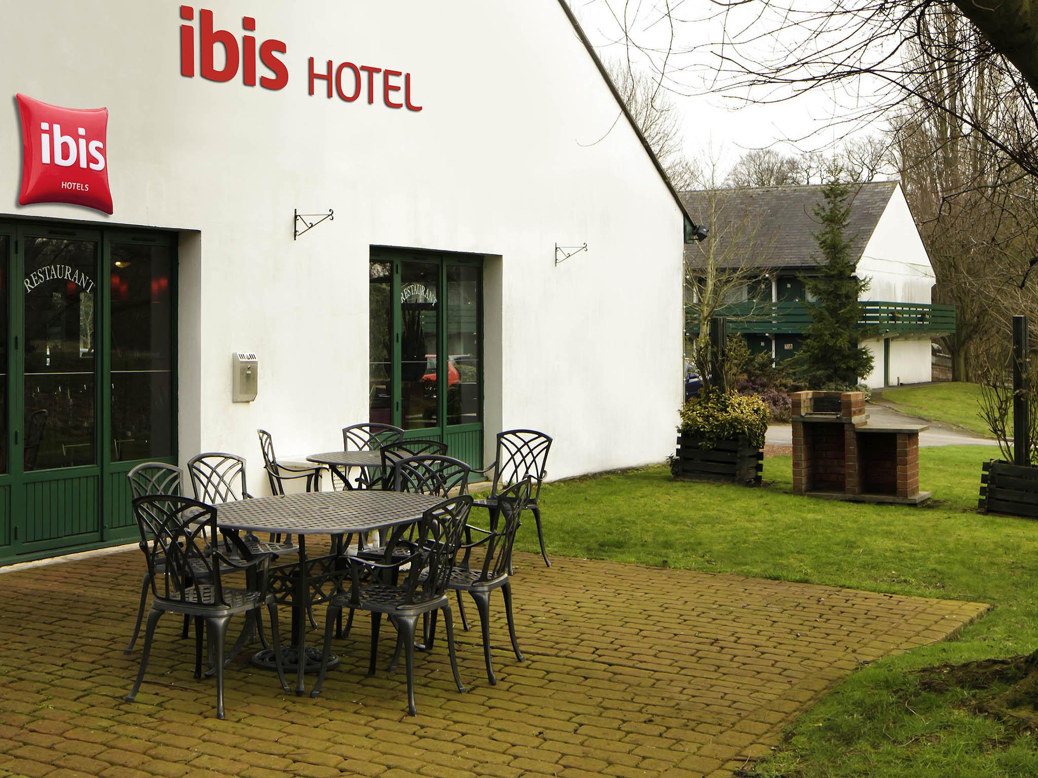 Ibis Hotel Postcode