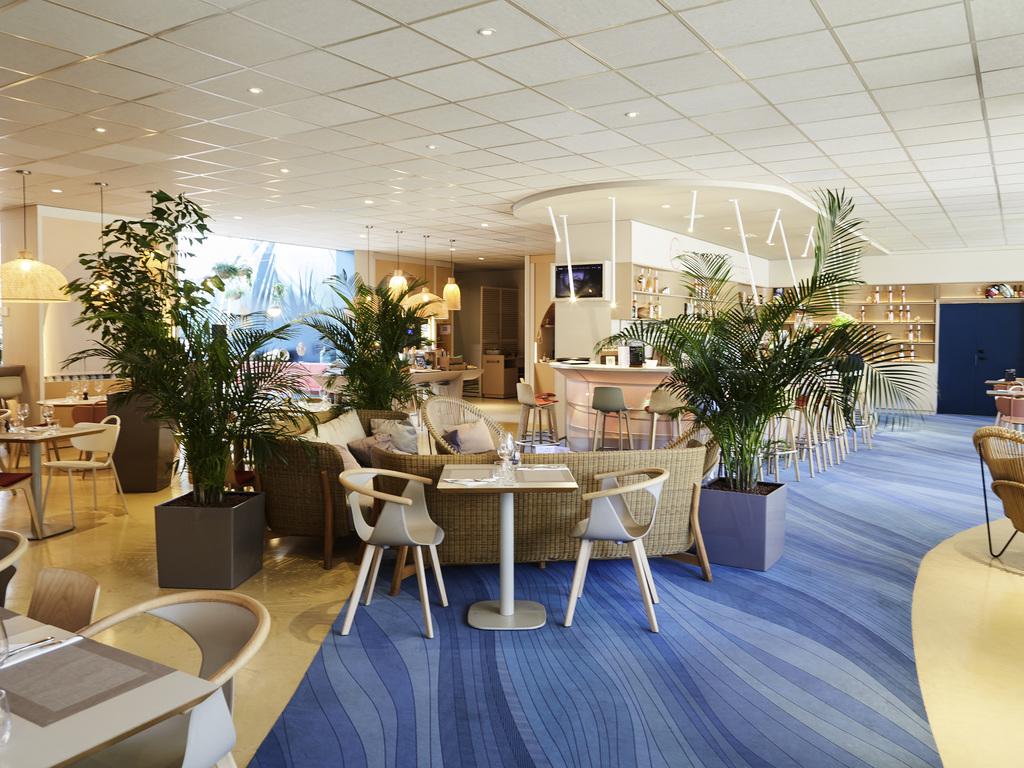 Le restaurant toulon restaurants by accorhotels for Restaurant le pointu toulon