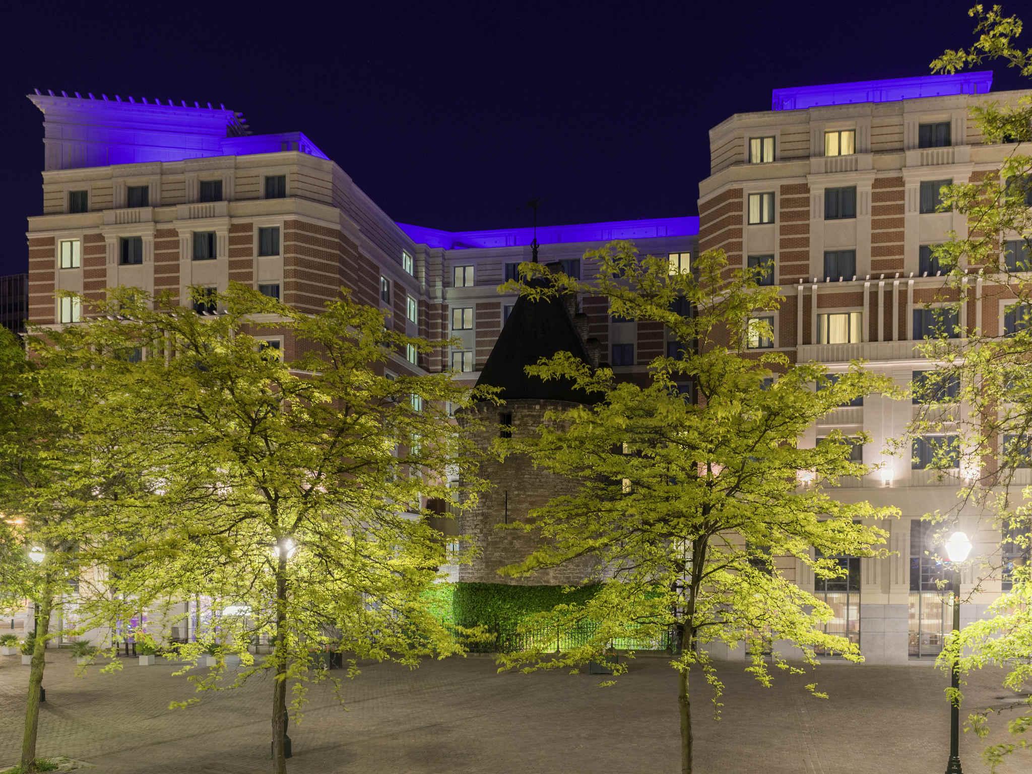 Отель — Novotel Брюссель Сити Центр