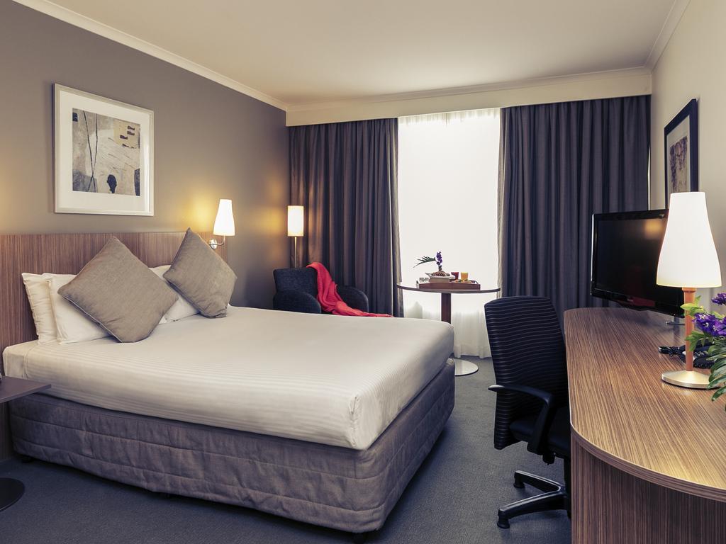 Mercure Parramatta Room Service Menu
