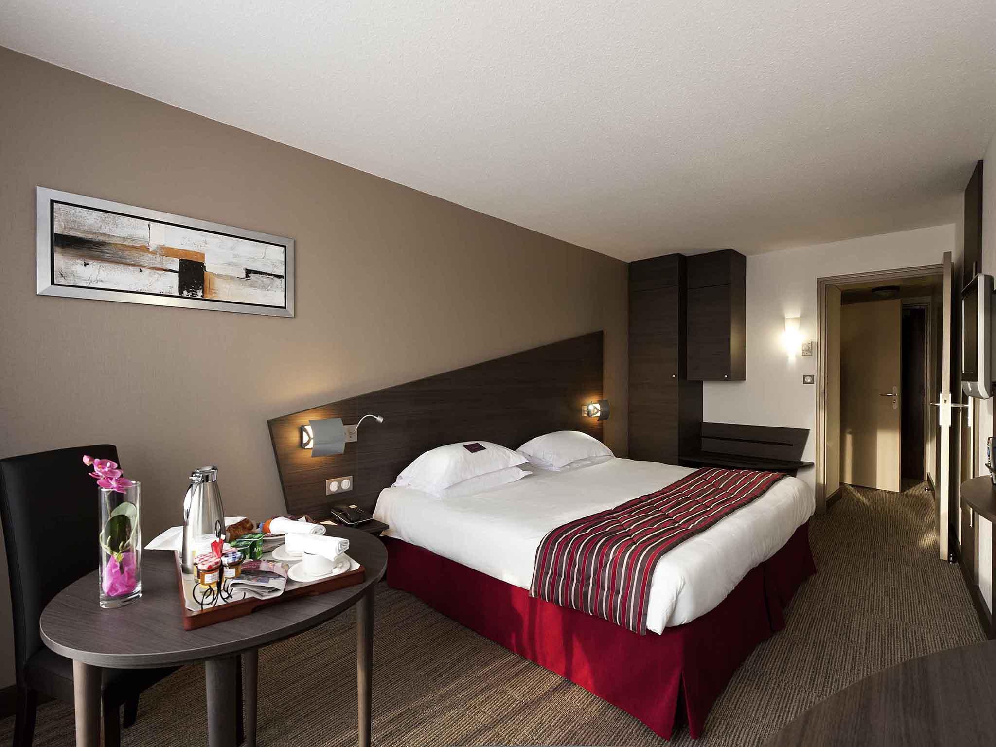 Отель — Hôtel Mercure Vannes Le Port