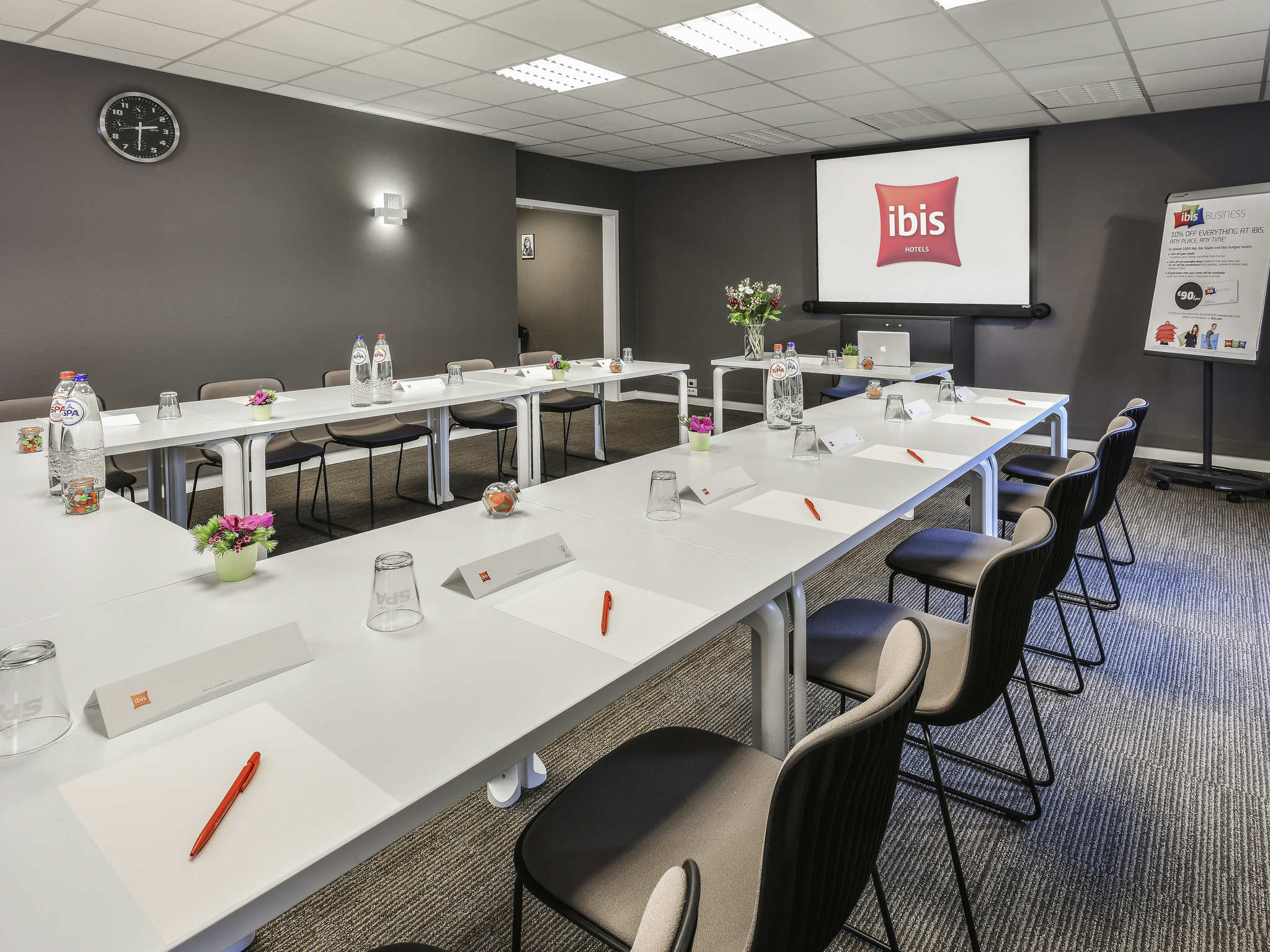 ... Meetings and events - ibis Charleroi Airport Brussels South ... 8c87ee45203