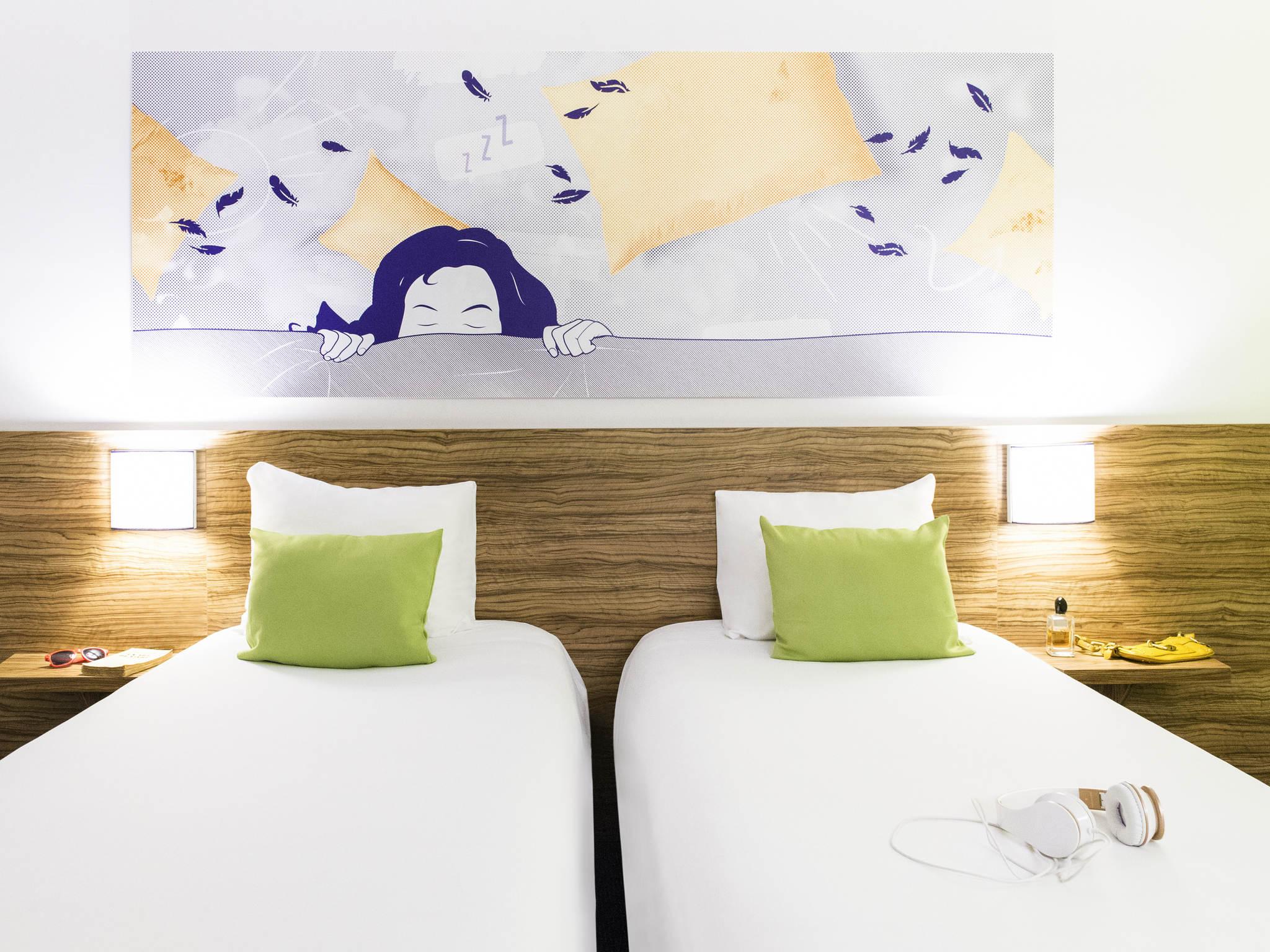 IBIS STYLES HOTEL MEETING CENTER LOUVAINLANEUVE