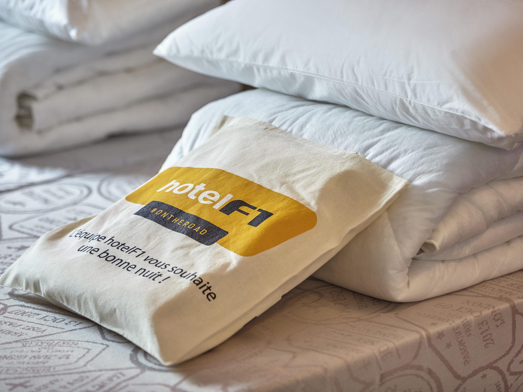 hotel a cabries hotelf1 marsiglia plan de campagne n 1. Black Bedroom Furniture Sets. Home Design Ideas