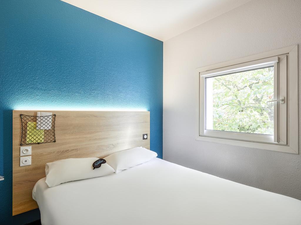 Hotel In Villeneuve Dascq Renovated Hotelf1 Lille