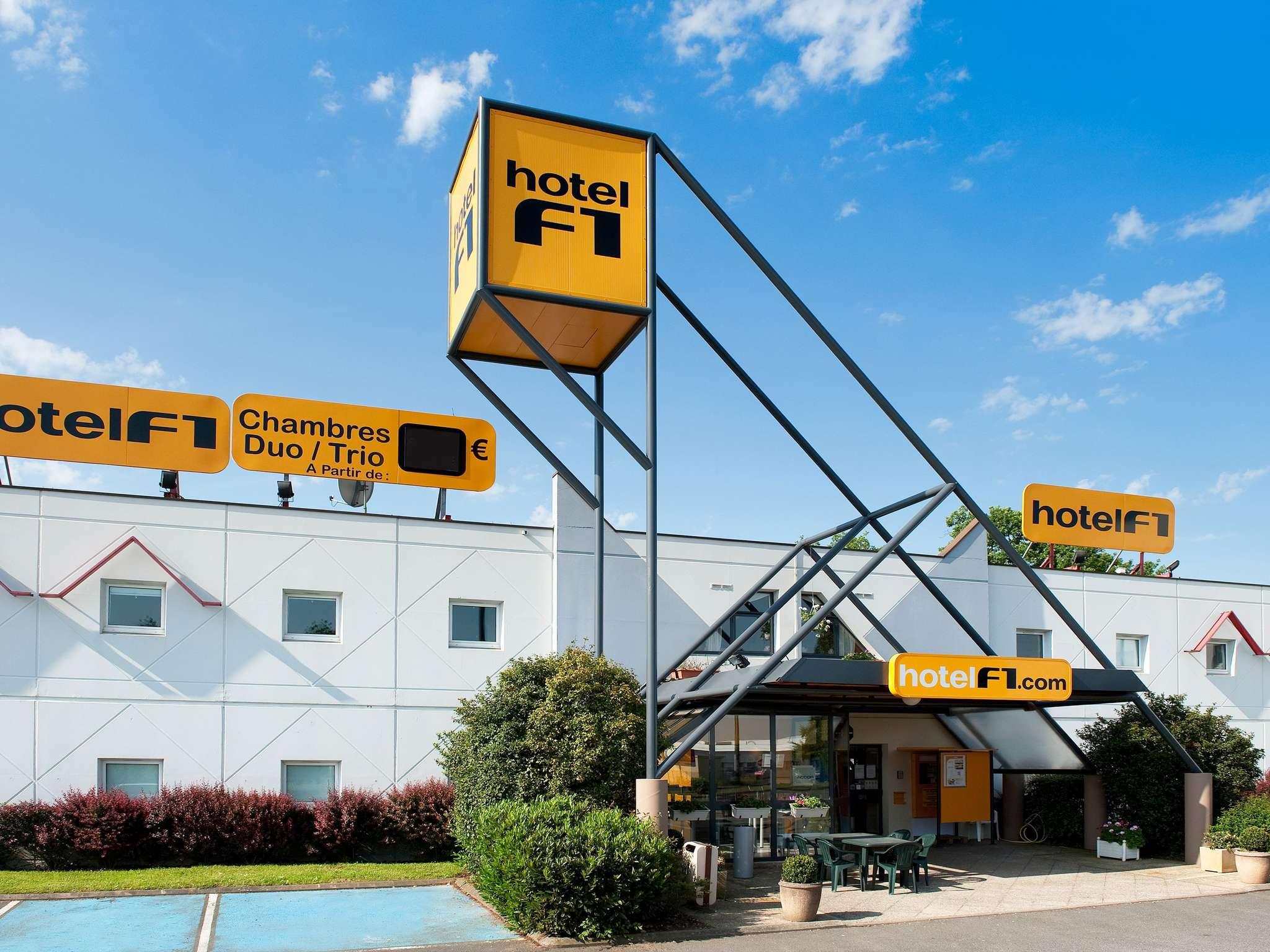 hotel in vallauris hotelf1 antibes sophia antipolis. Black Bedroom Furniture Sets. Home Design Ideas