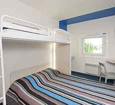 h tel pas cher hotelf1 metz centre devant les ponts hotel metz. Black Bedroom Furniture Sets. Home Design Ideas