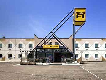 HotelF1 la roche sur yon à Mouilleron le captif