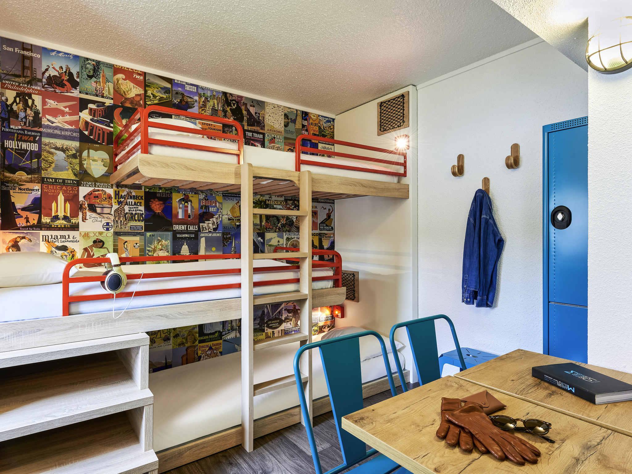 hotel a evry hotelf1 evry a6. Black Bedroom Furniture Sets. Home Design Ideas