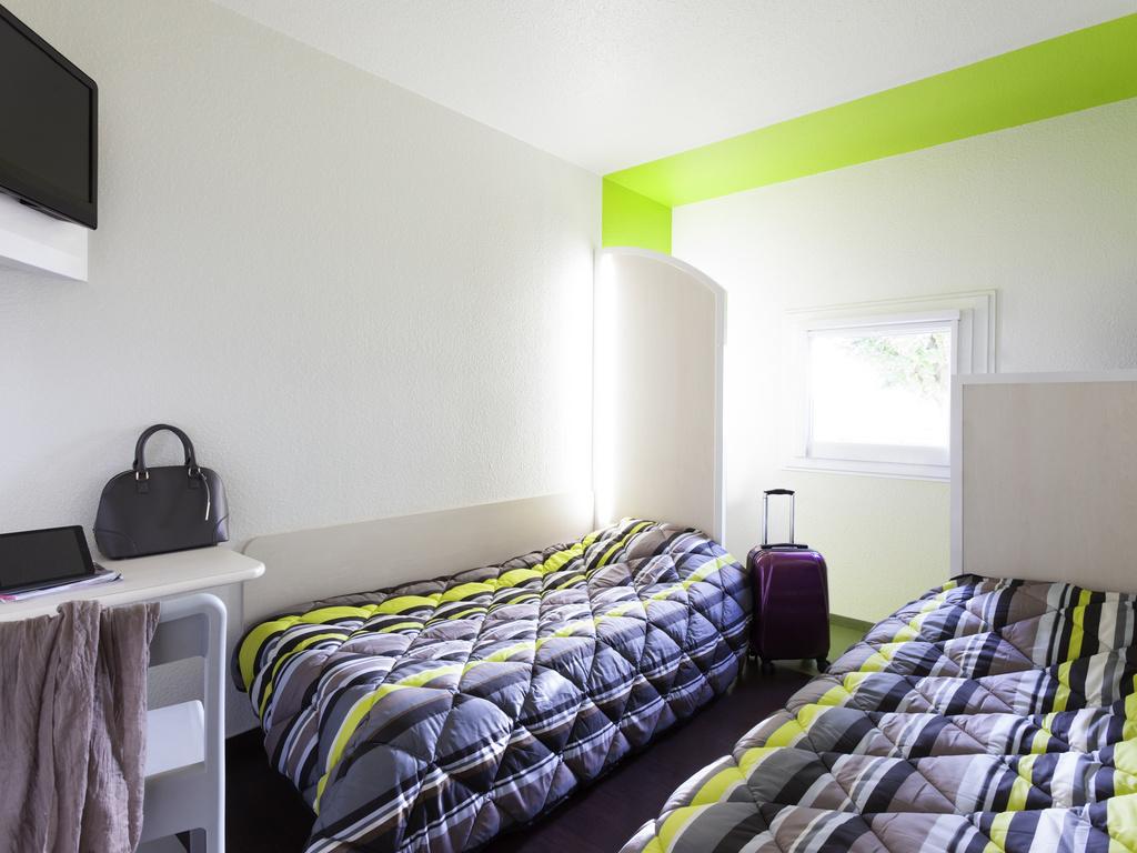 h tel saint cergues hotelf1 annemasse. Black Bedroom Furniture Sets. Home Design Ideas