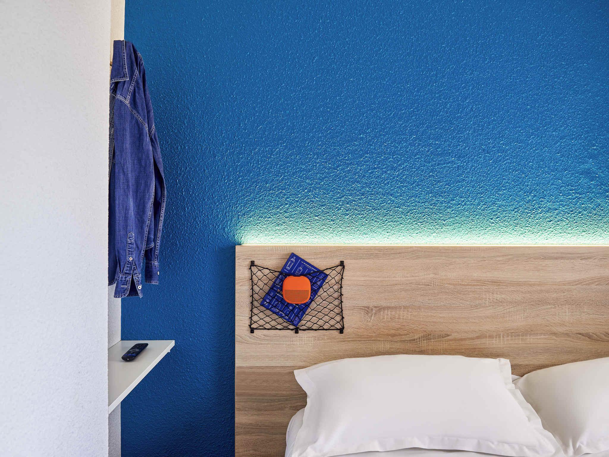 Отель — hotelF1 Chaumont