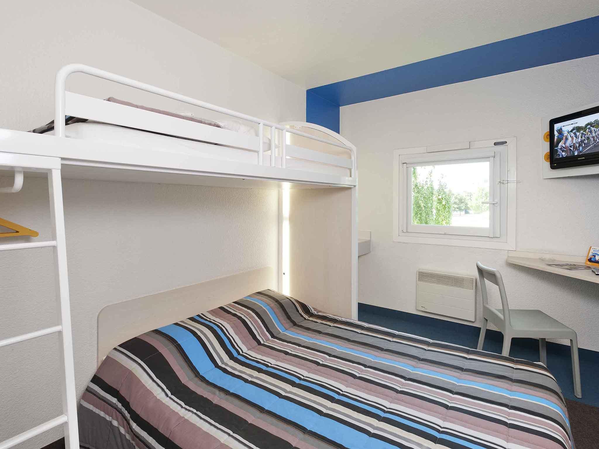 Отель — hotelF1 Saint-Brieuc