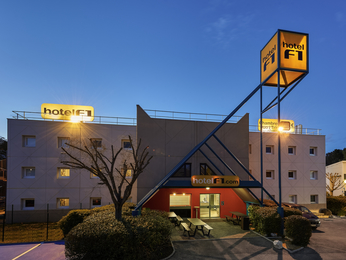 HotelF1 saint-malo dinard a La richardais
