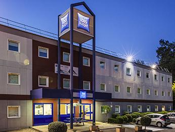 hotel saint maur des fosses ibis hotels for a weekend break or business trip in saint maur des. Black Bedroom Furniture Sets. Home Design Ideas