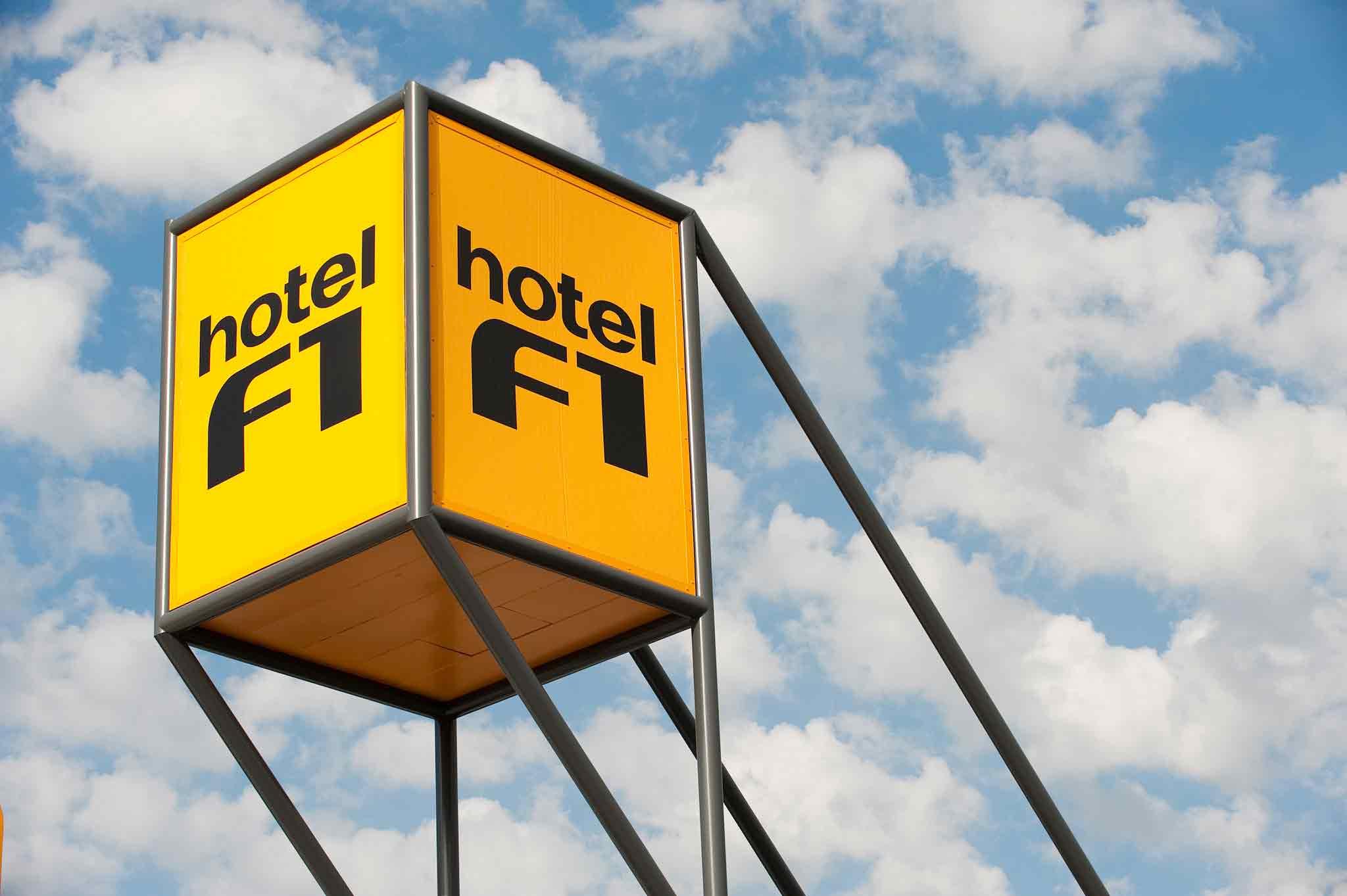Отель — hotelF1 Villeparisis