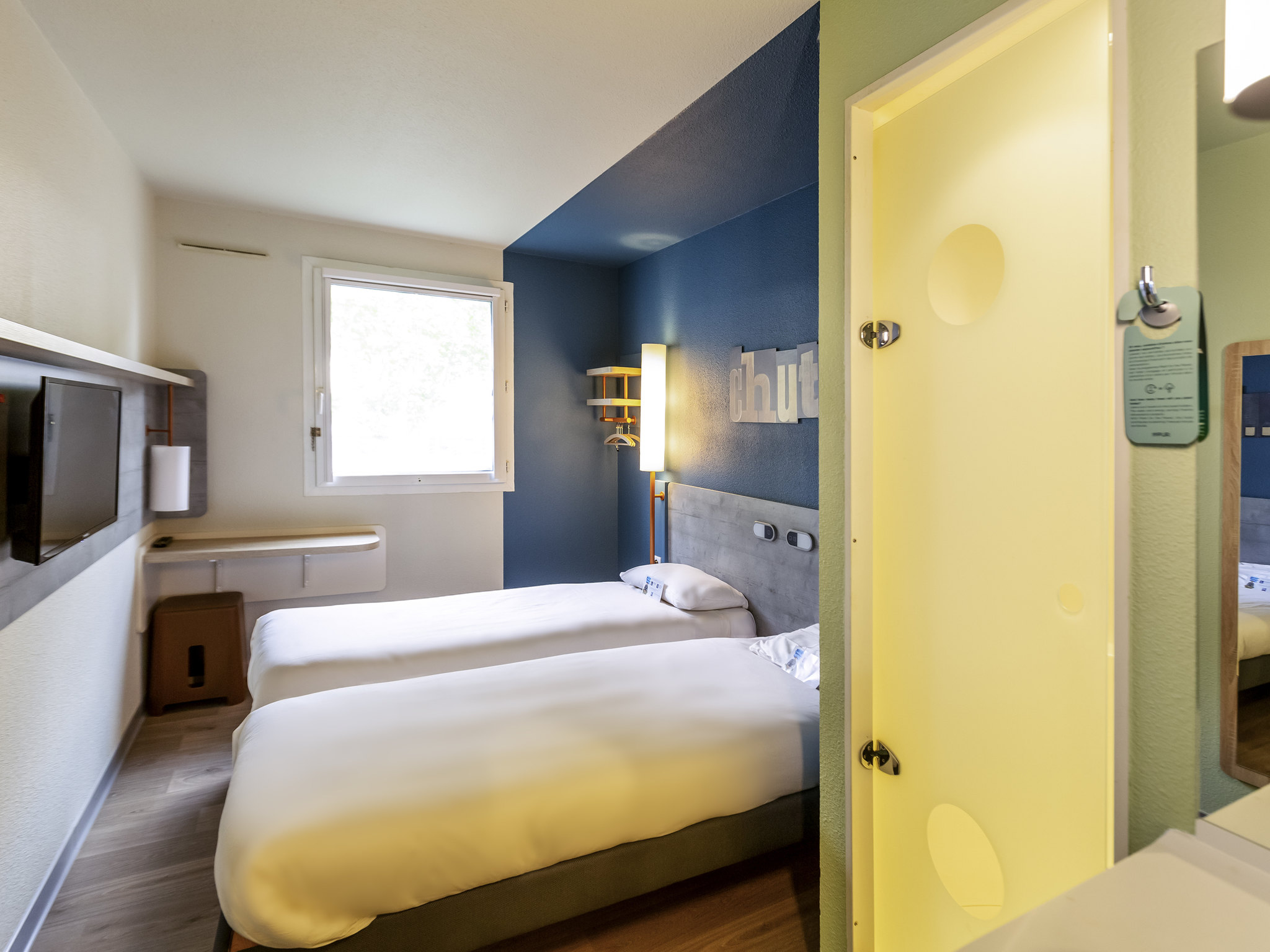 You Me Etagenbett Holz : Hotel in trappes ibis budget versailles