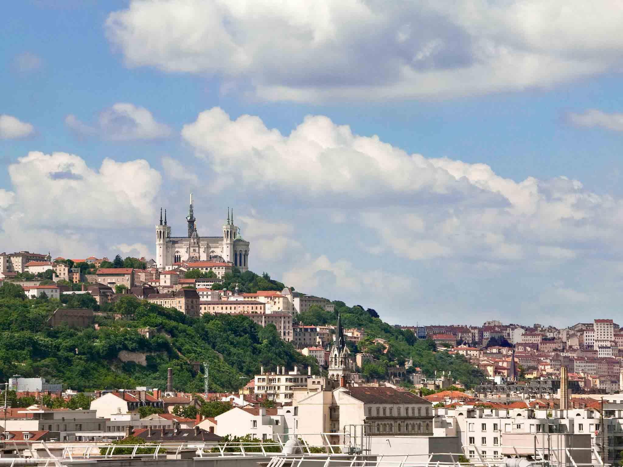 호텔 – ibis budget Lyon Caluire Cité Internationale