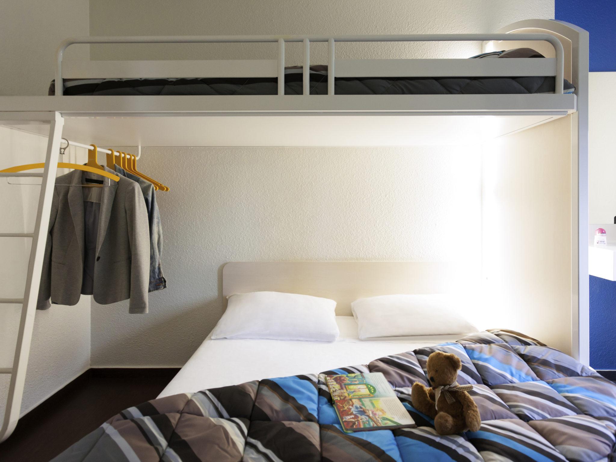 h tel brie comte robert hotelf1 brie comte robert. Black Bedroom Furniture Sets. Home Design Ideas