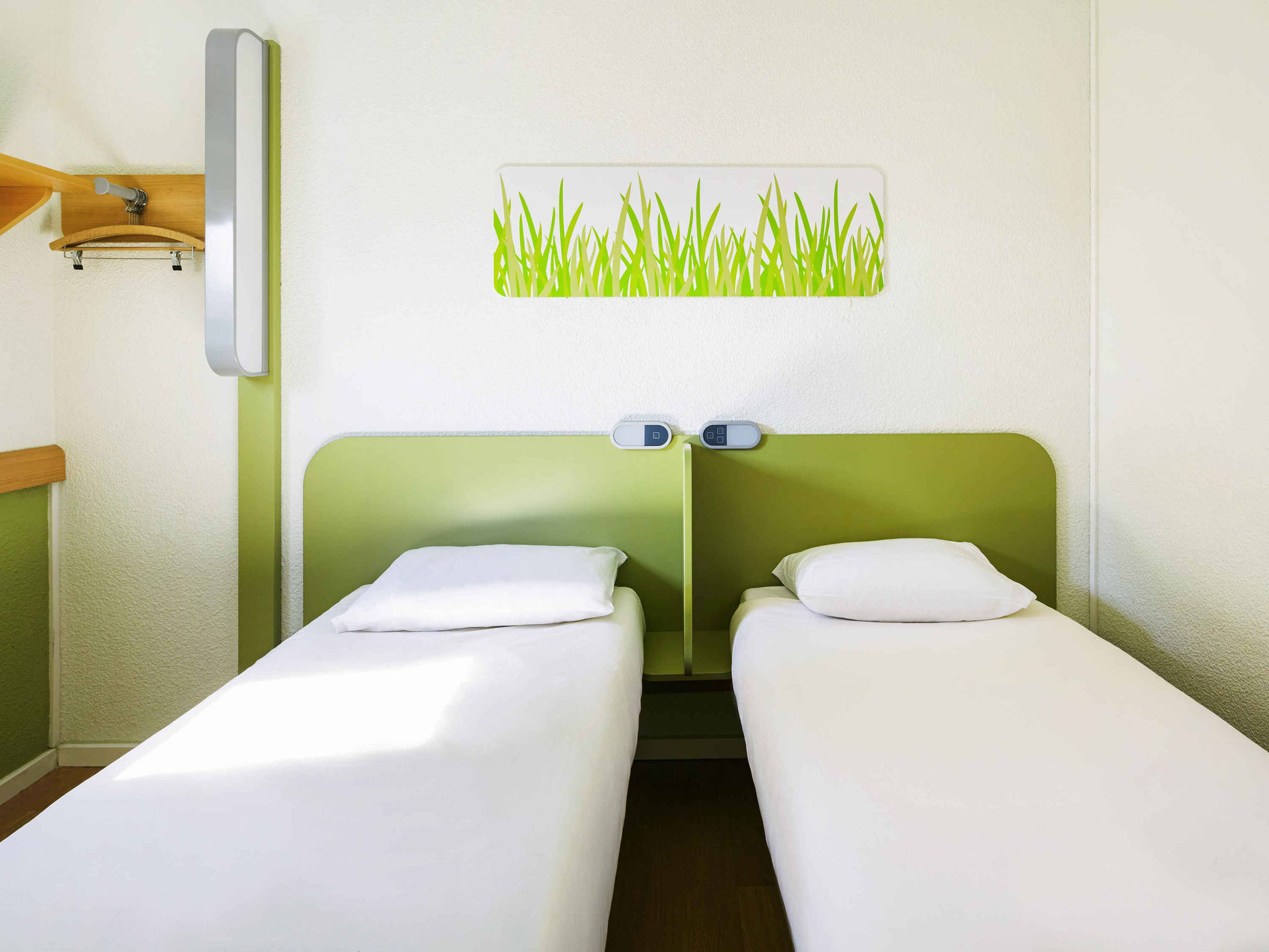 Trendy chambres ibis budget chartres with ibis budget for Ibis budget douche dans la chambre