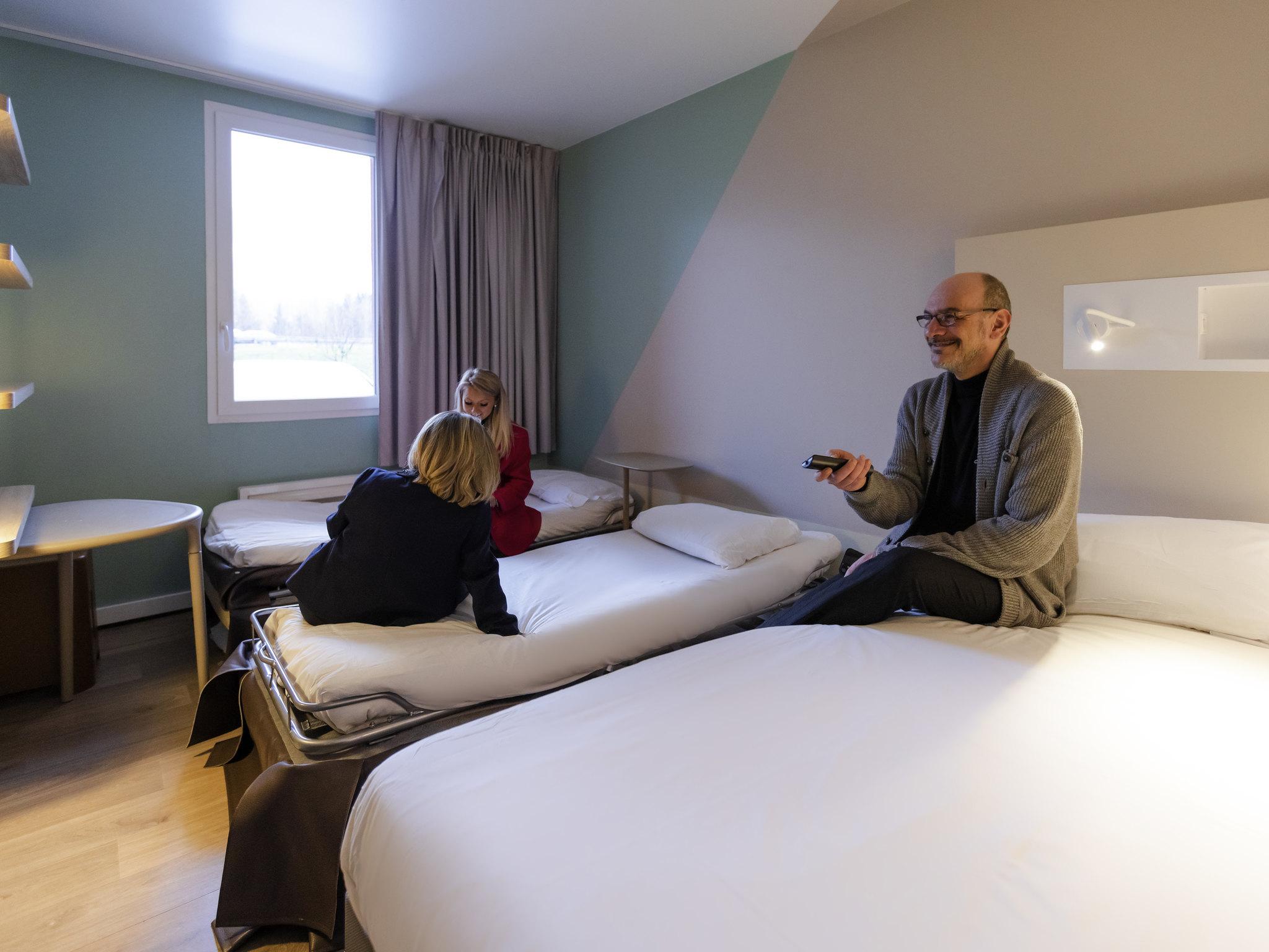 Hotel in GILLY SUR ISERE ibis bud Albertville