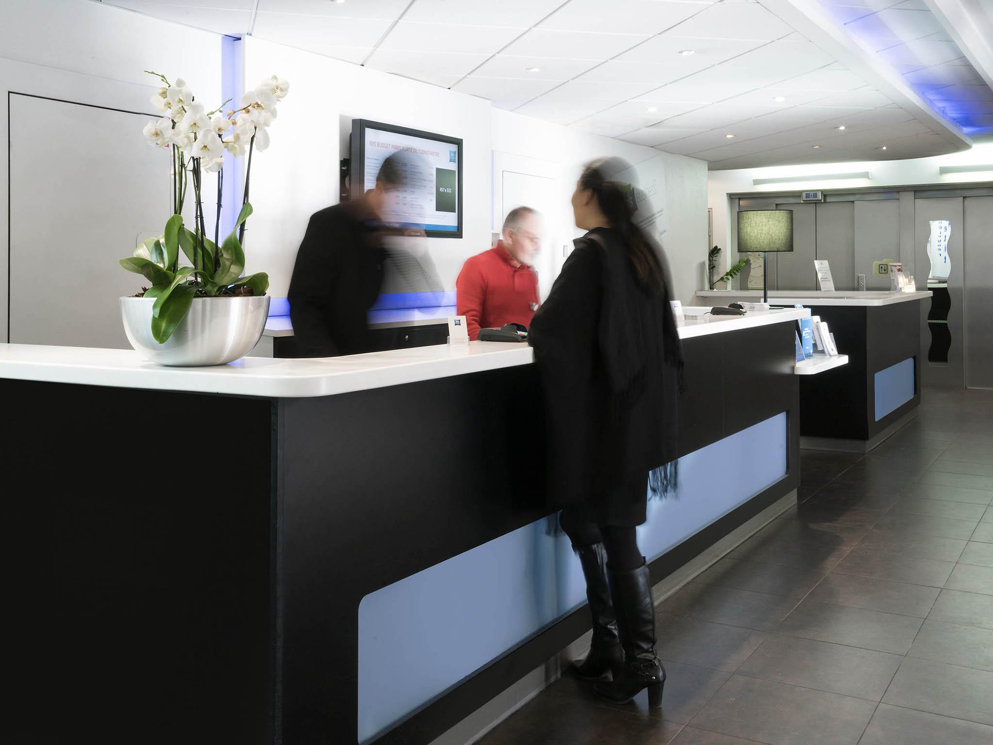 Hotel in paris ibis budget paris porte de montmartre - Hotel ibis budget paris porte d orleans ...