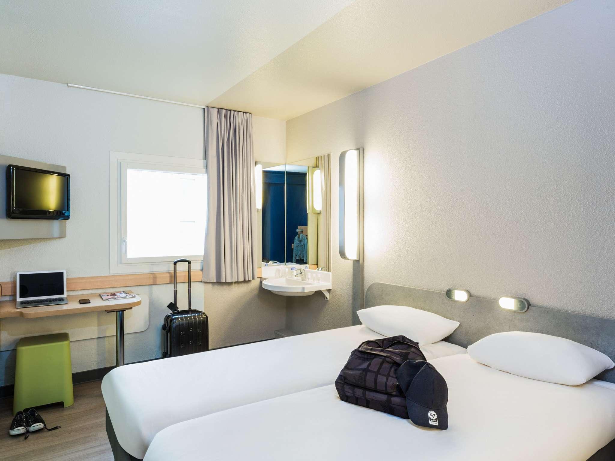 Reservation Hotel Ibis Paris