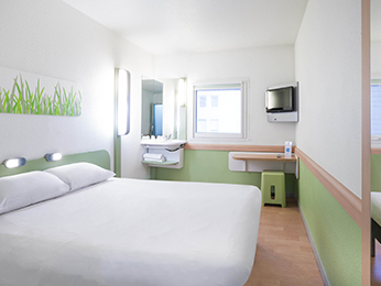 Hotel pas cher paris ibis budget paris porte de montmartre - Hotel ibis budget paris porte d orleans ...