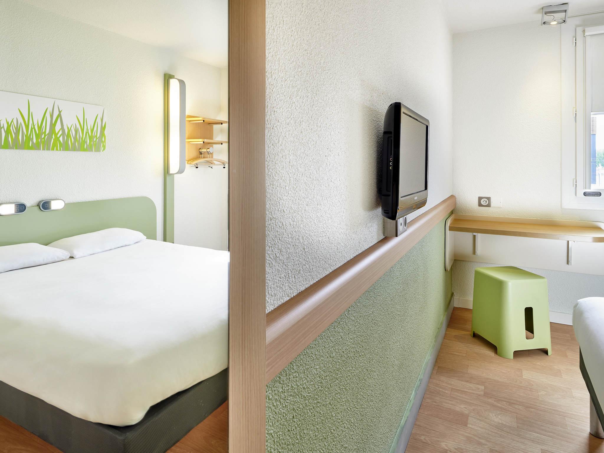 Hotel in SAINT PAUL LES DAX ibis bud Dax Saint Paul les Dax