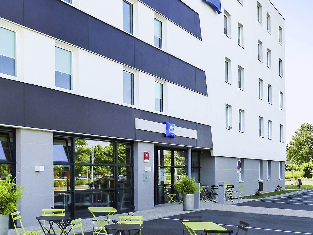 goedkoop hotel tours ibis budget tours nord. Black Bedroom Furniture Sets. Home Design Ideas