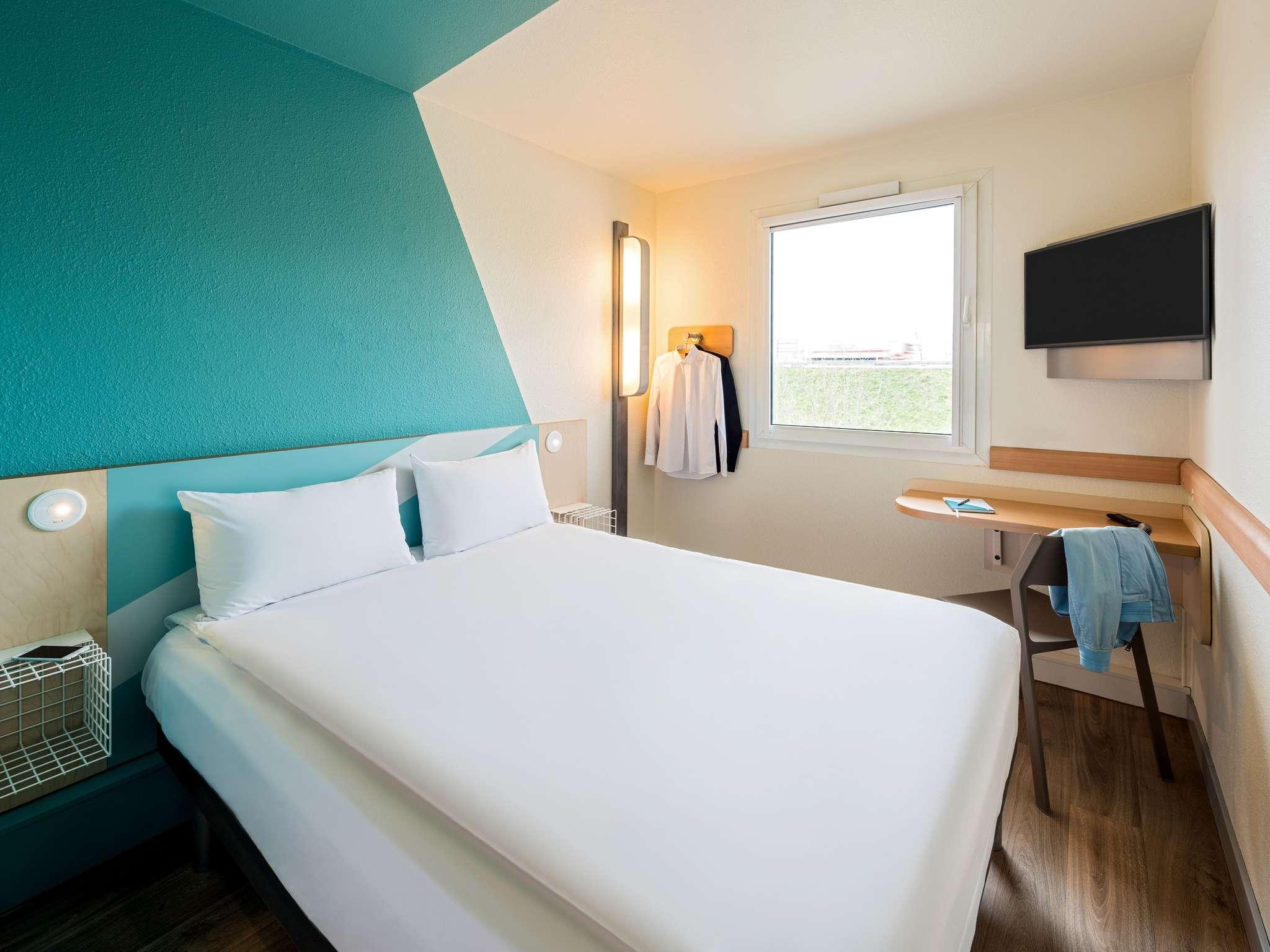 hotel ibis budget regensburg ost book now free wifi. Black Bedroom Furniture Sets. Home Design Ideas