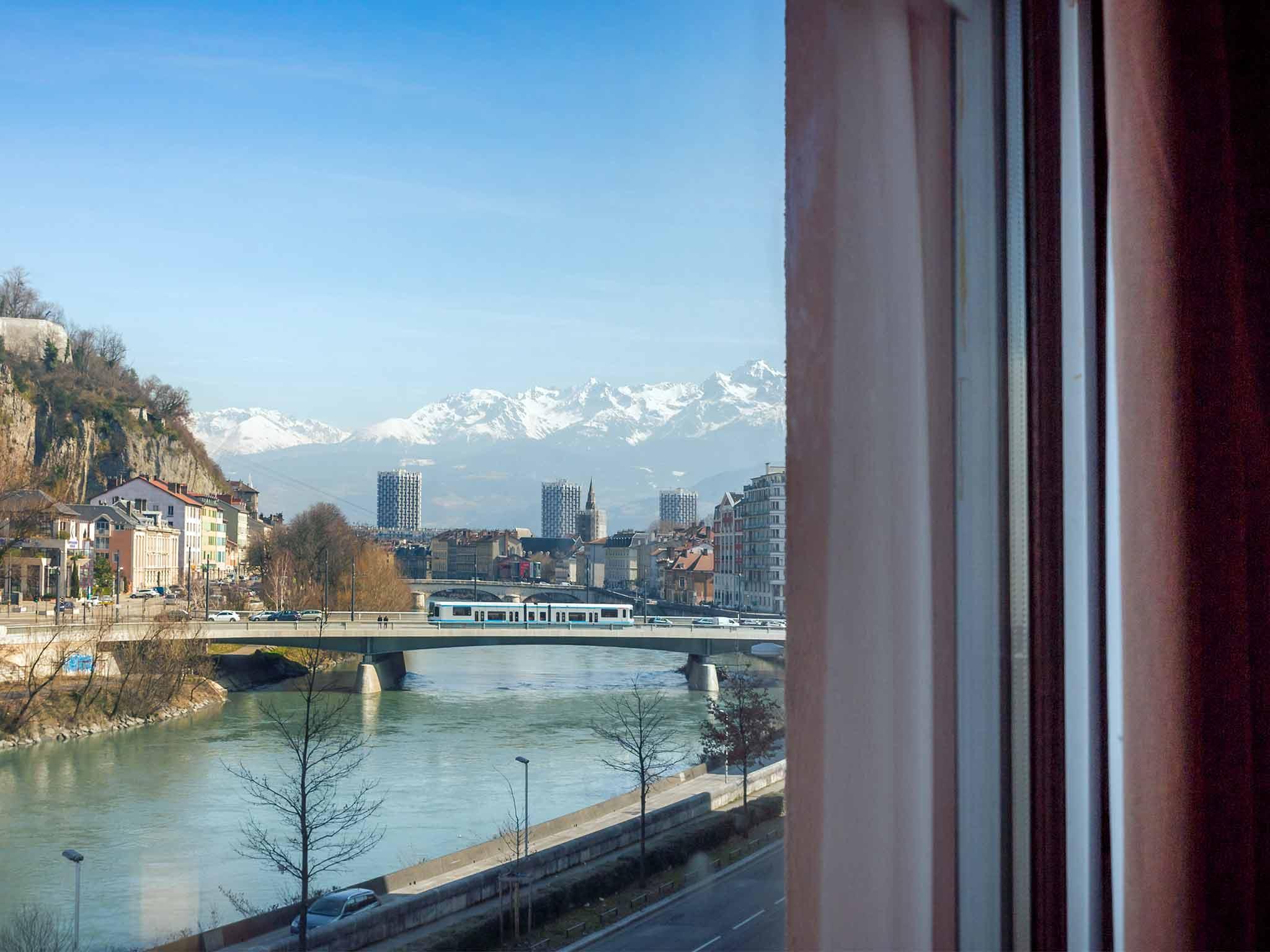 Hotel in grenoble ibis grenoble gare for Hotels grenoble
