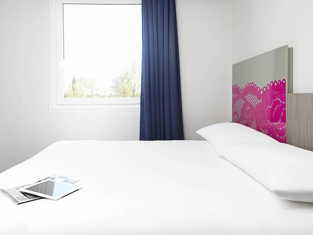 Standard Zimmer Mit 1 Doppelbett Und 1 Sofa