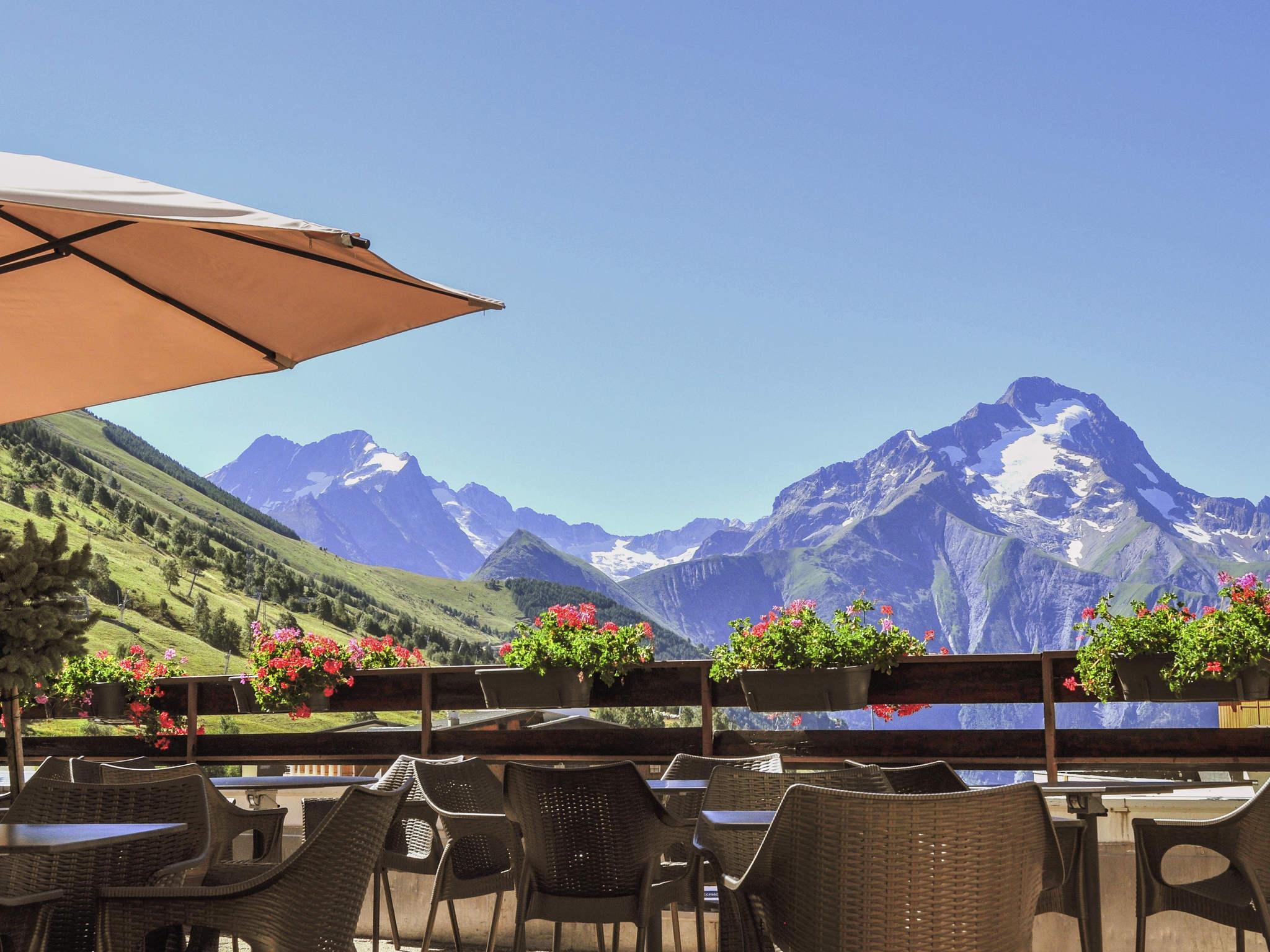 Hotel in les deux alpes mercure les deux alpes 1800 hotel for Hotels 2 alpes