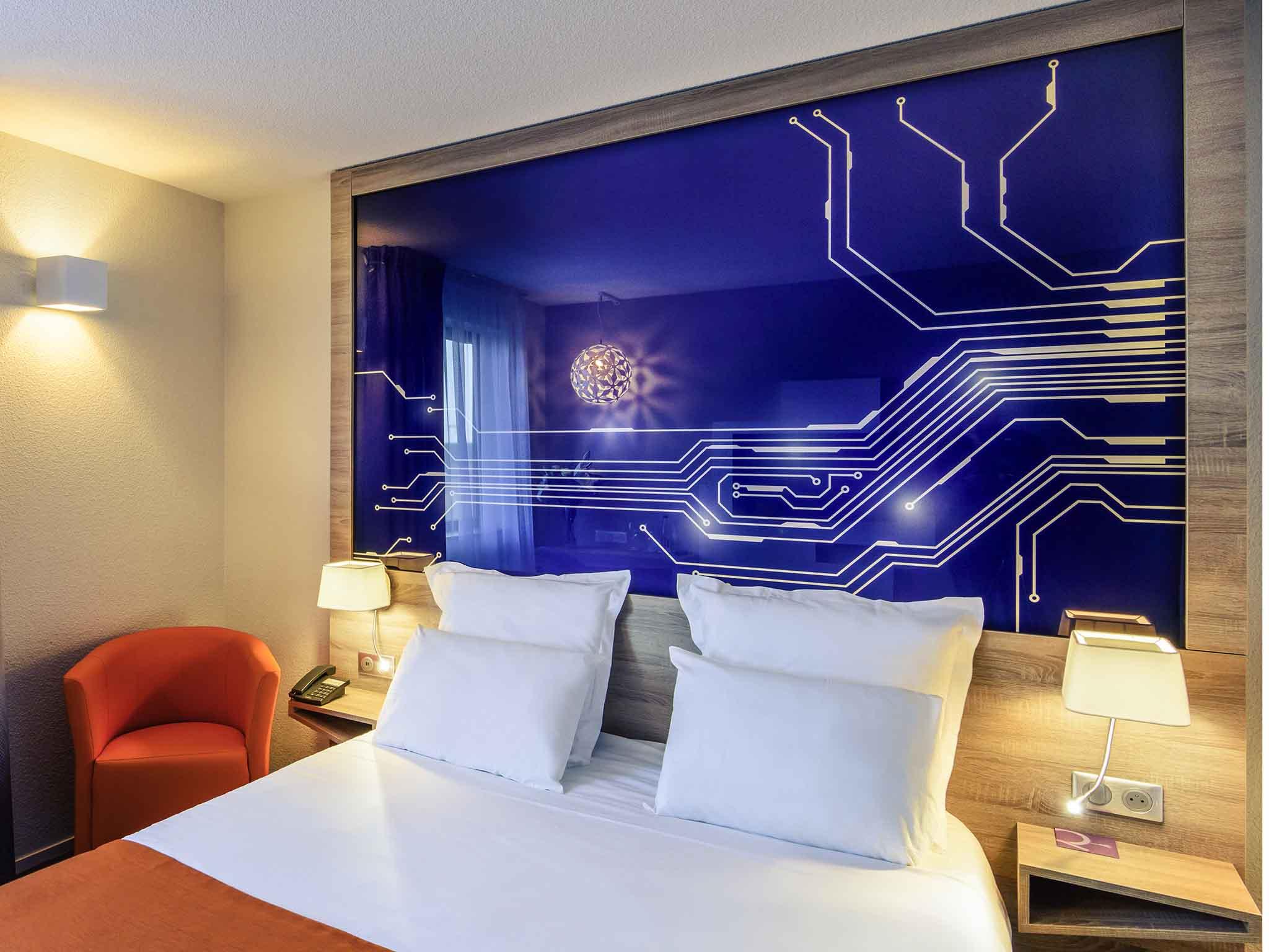 Отель — Hotel Mercure Пуатье Акватис Сит дю Футуроскоп