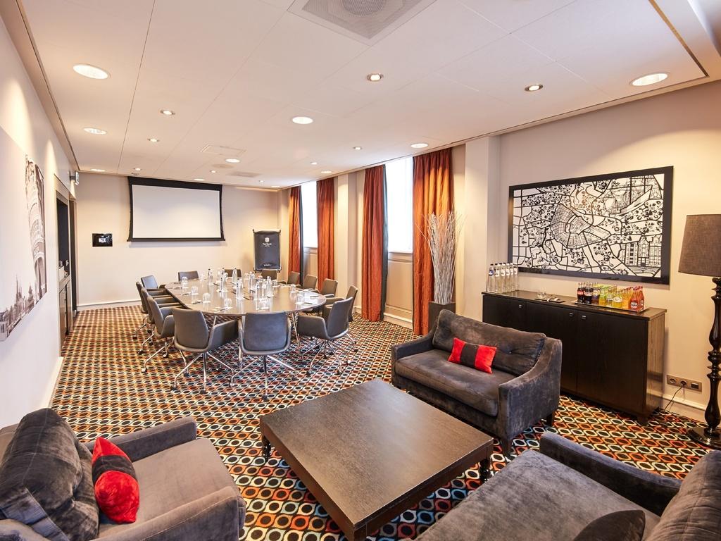 6 Cafe Stoelen.Luxury Hotel Amsterdam Sofitel Legend The Grand Amsterdam