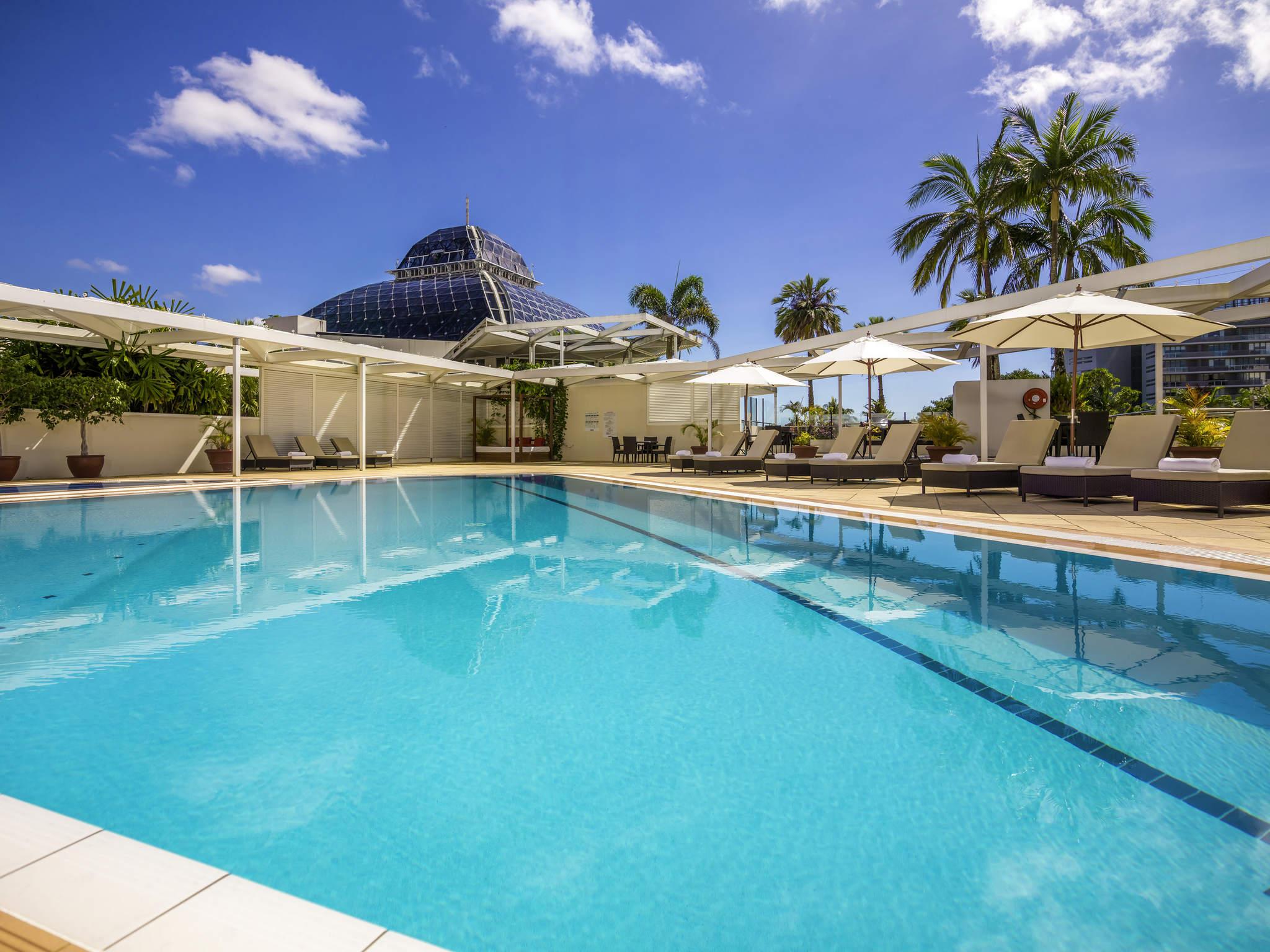 โรงแรม – Pullman Reef Hotel Casino
