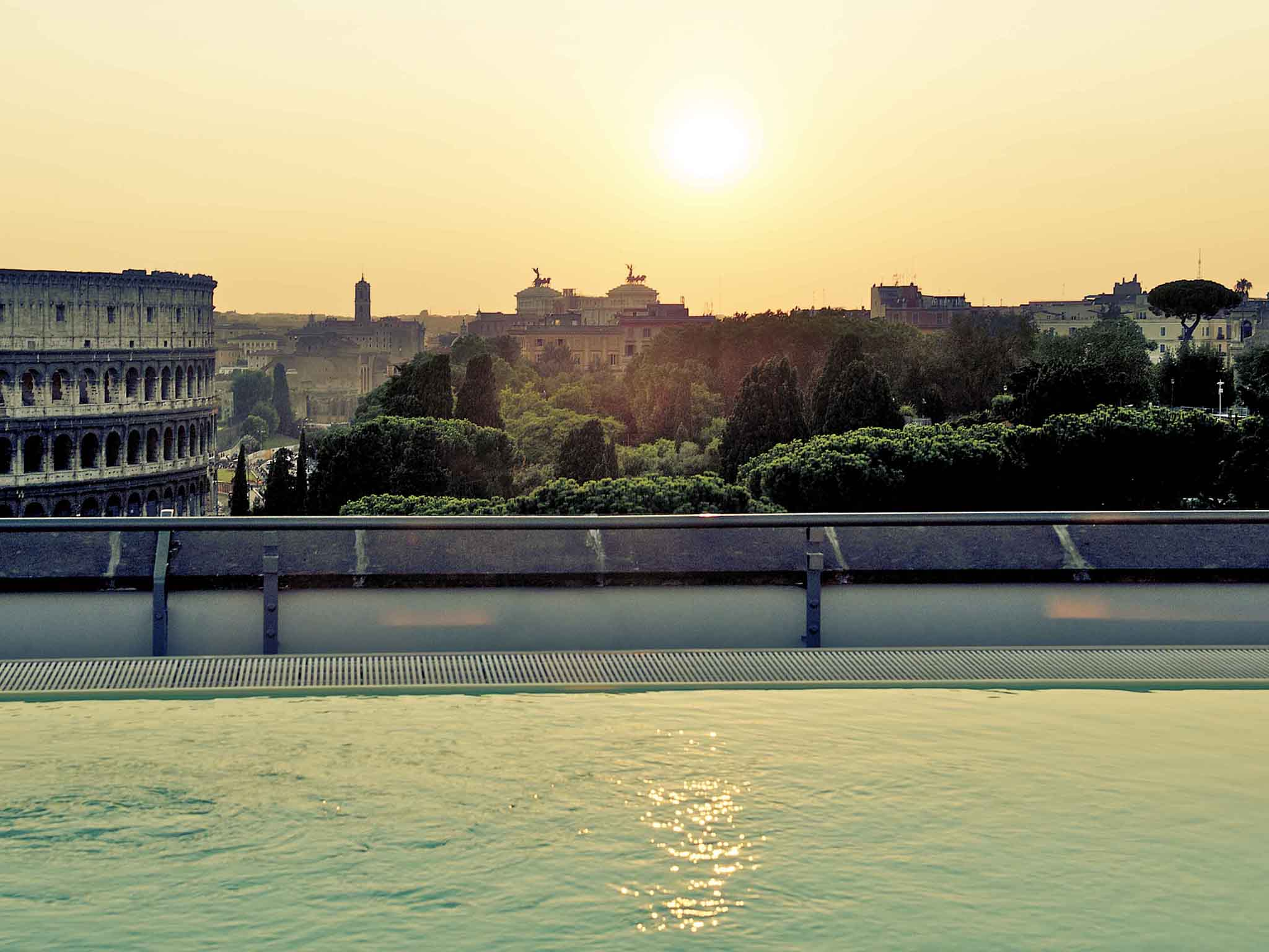 Отель — Mercure Рим Центр Колизей