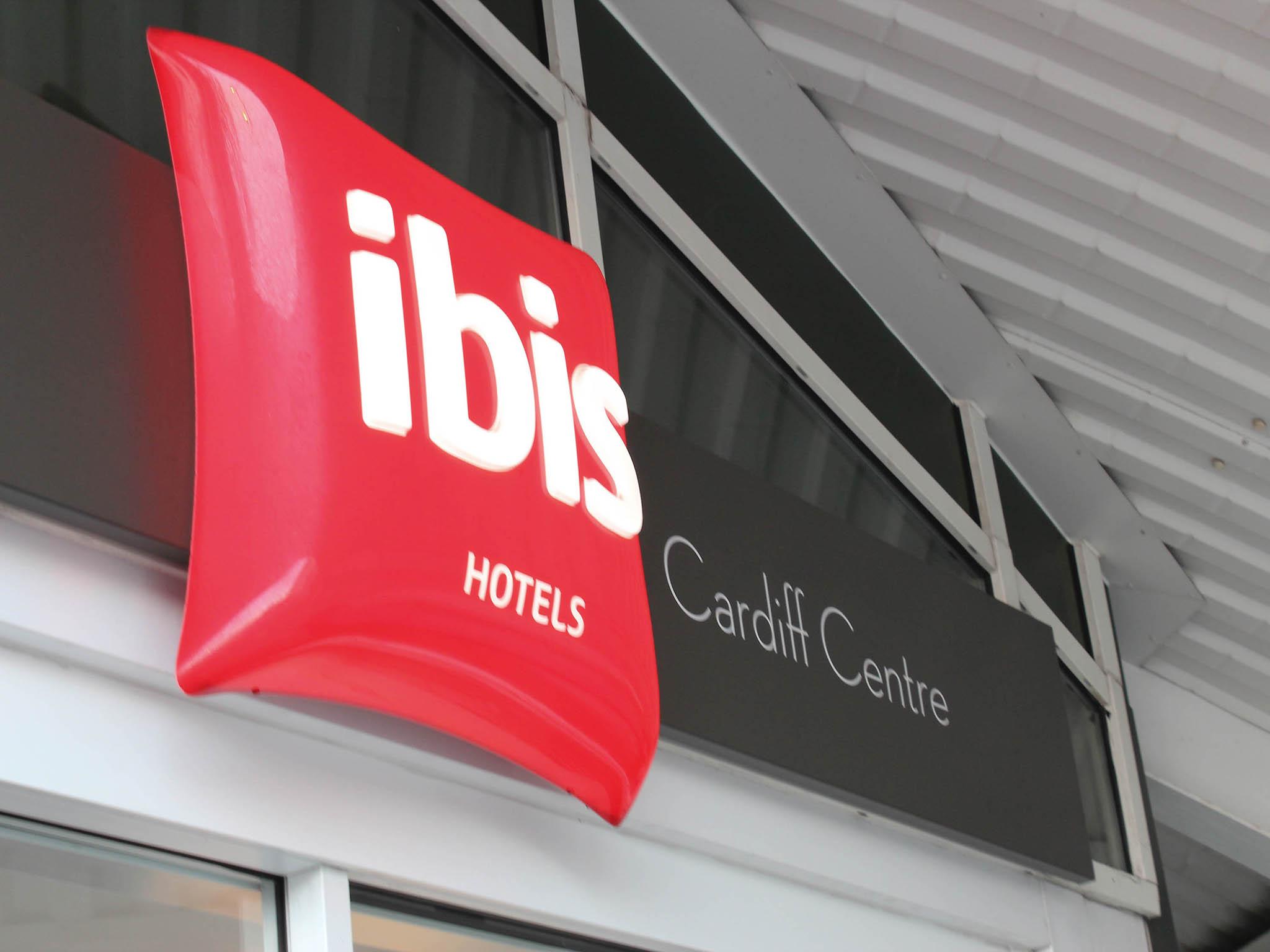Otel – ibis Cardiff