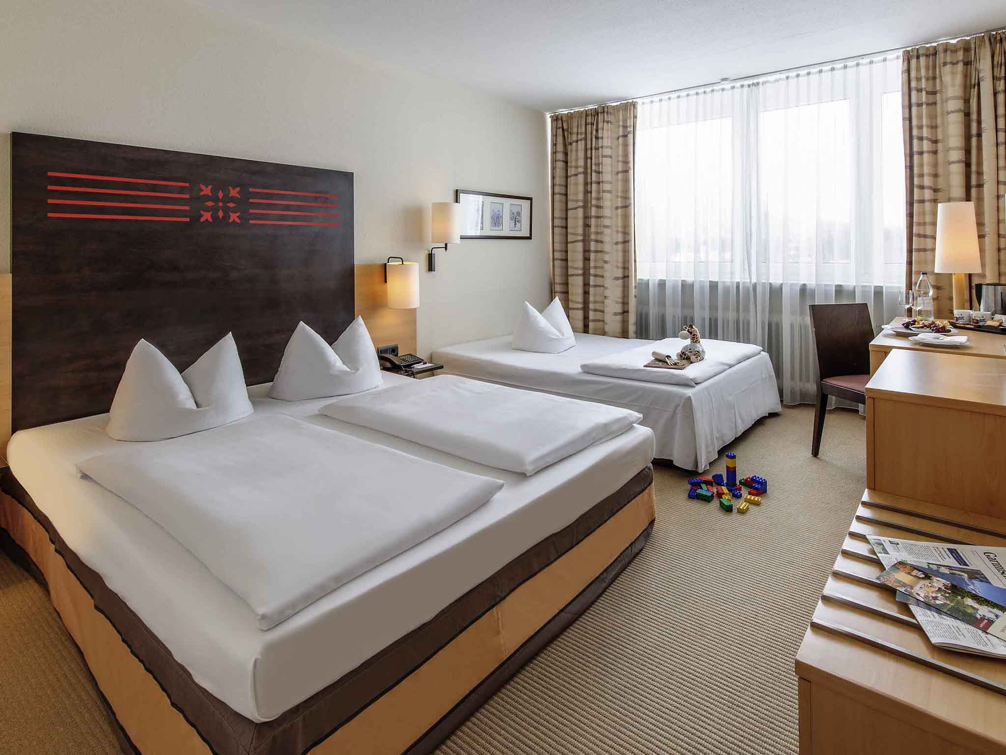Fabulous rooms mercure hotel with neckermann boxspring for Hotel mobel gebraucht