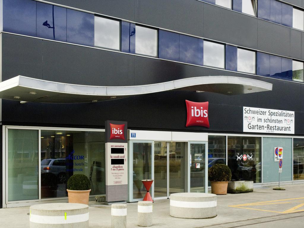 hotel in zurich ibis zurich city west. Black Bedroom Furniture Sets. Home Design Ideas