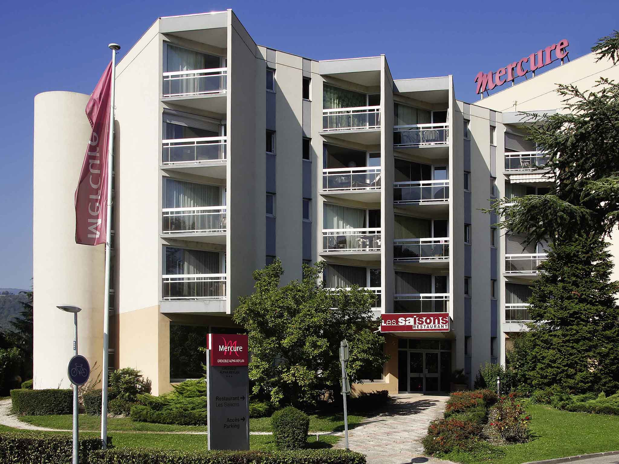 Hotel meylan pas cher for Appart hotel pas cher paris