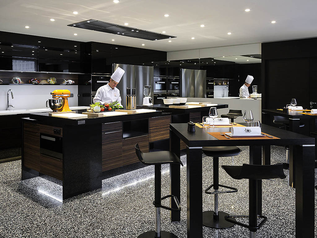 ecole de cuisine gourmets lyon restaurants by accorhotels. Black Bedroom Furniture Sets. Home Design Ideas