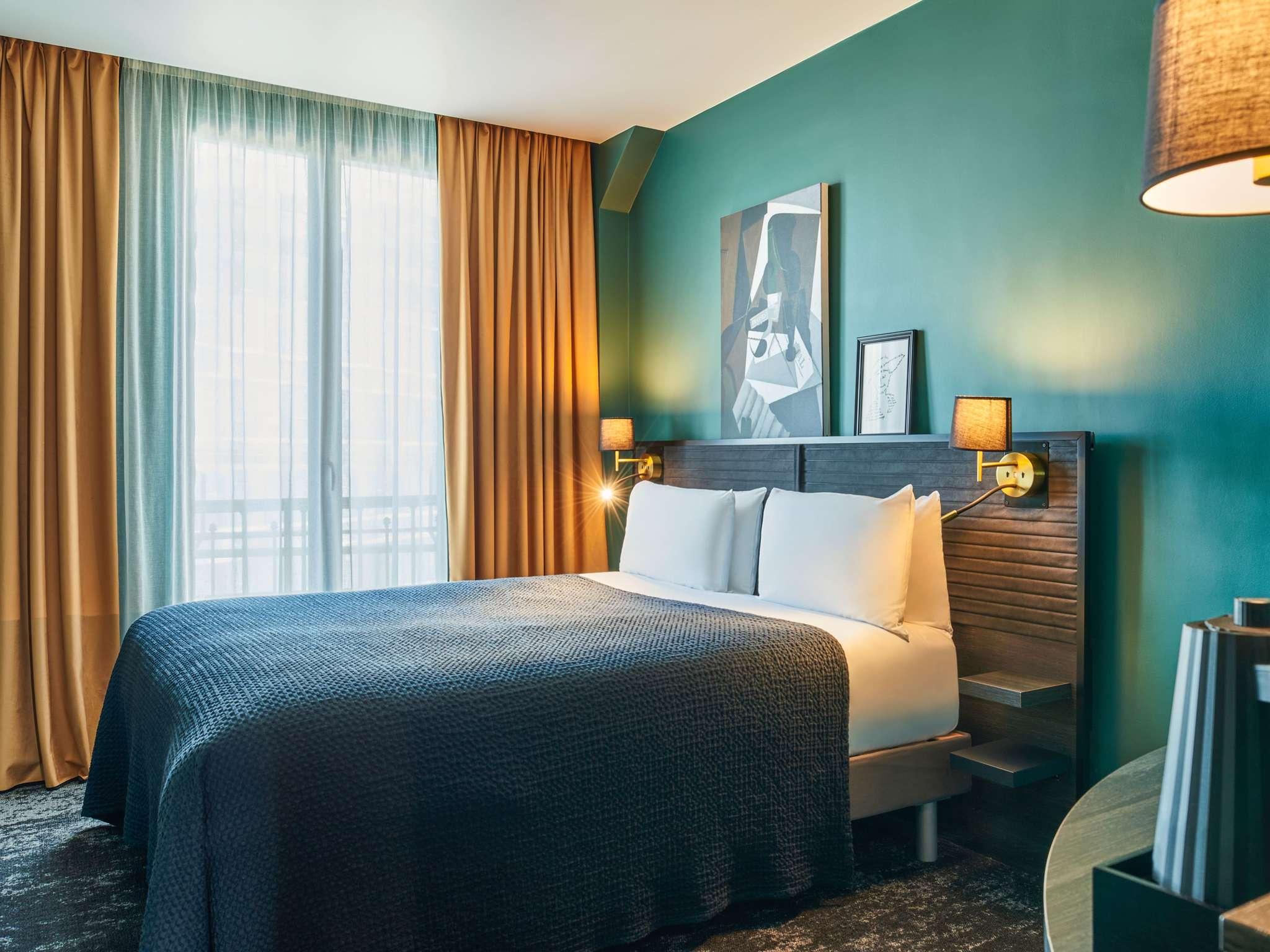 โรงแรม – เมอร์เคียว ปารีส ปลาซา ปอง มิราโบ
